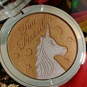 TOO FACED IRIDESCENT MYSTICAL BRONZER